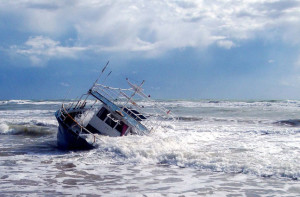 small-boat-wreck-pixa-cr