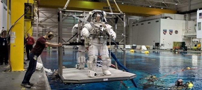 An Astronaut's Training in Weightlessness