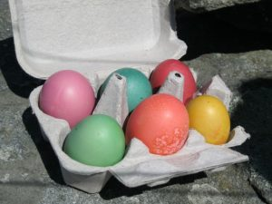Six Easter eggs in an egg carton.